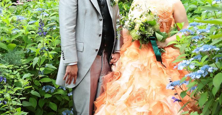 ドレスオレンジ×ブーケ白