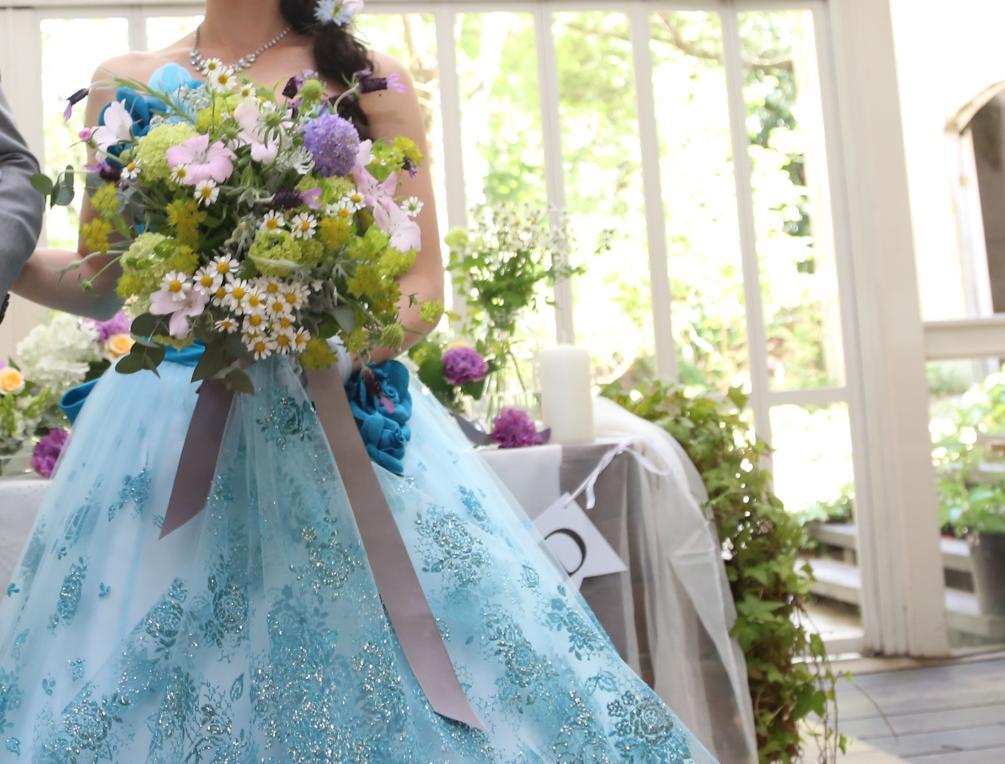 ドレス青×ブーケ紫
